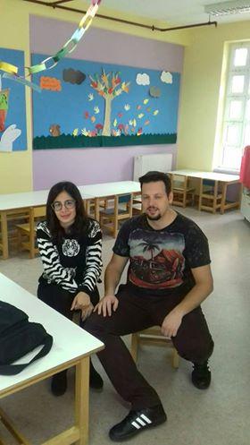 Η κα. Ελένη Δρακουλάκου και ο κ. Βασίλης Αλεξόπουλος στο 6ο Νηπιαγωγείο Παλλήνης.
